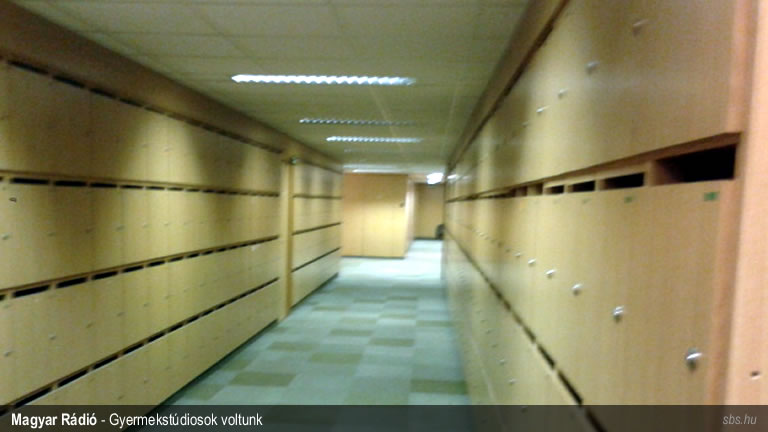 magyar-radio-gyermekstudio-sbs-05-foldszint-folyoso