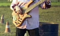 lord-koos-laszlo-basszusgitar