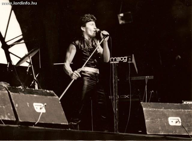 Pohl Misi egy korabeli Lord koncerten - Forrás: www.lordinfo.hu